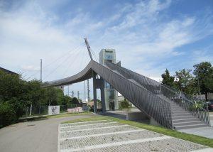 Campusbrücke Heilbronn - Fußgängerbrücke mit 2 Aufzügen über die Bahn beim Bildungscampus