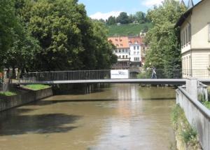 Fußgängerbrücke über den Rossneckarkanal in Esslingen
