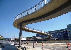 Fußgängerbrücke über die B29 in Schwäbisch Gmünd