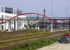 Fußgängerbrücke über die Bahn vom LAGO zum SEA LIFE in Konstanz