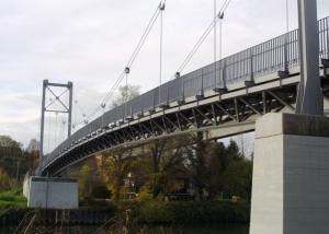 Geh- und Radwegbrücke über den Neckar bei Marbach