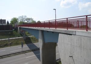 Geh- und Radwegbrücke über die B10 in Pirmasens