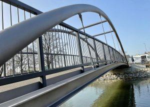 """Neubau """"Unterer Brückensteg"""" Geh- und Radwegbrücke über die Abens in Mainburg"""